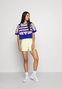 adidas Originals - BIG TEE - Print T-shirt - team royal blue - 1