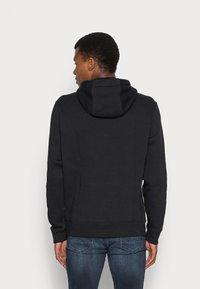 Nike Sportswear - CLUB HOODIE - Huppari - black/white - 2