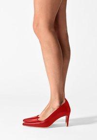 FERAGGIO - RUSHHOUR RED - Klassieke pumps - red - 0