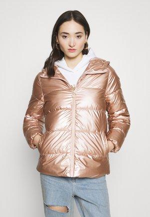 ONLSAVANNAH METALLIC PUFFER - Winter jacket - frosted almond