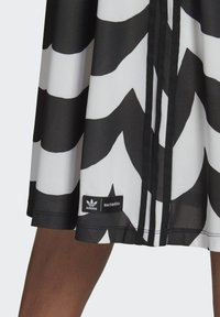 adidas Originals - X MARIMEKKO - Vestido camisero - black/white - 4