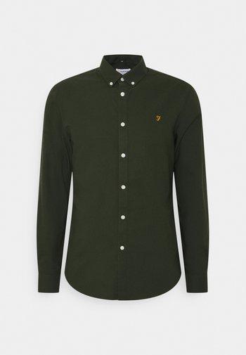 BREWER - Skjorte - evergreen