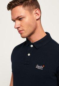 Superdry - MIT KURZEN ÄRMELN - Polo shirt - dark navy blue - 3