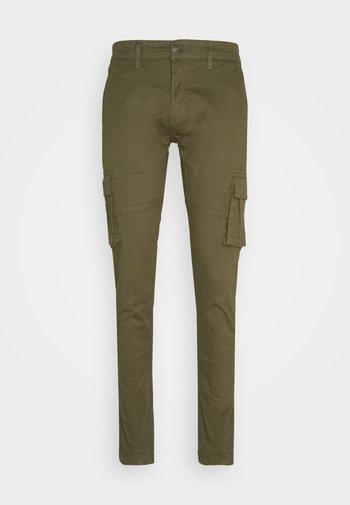 PANT - Pantaloni cargo - green