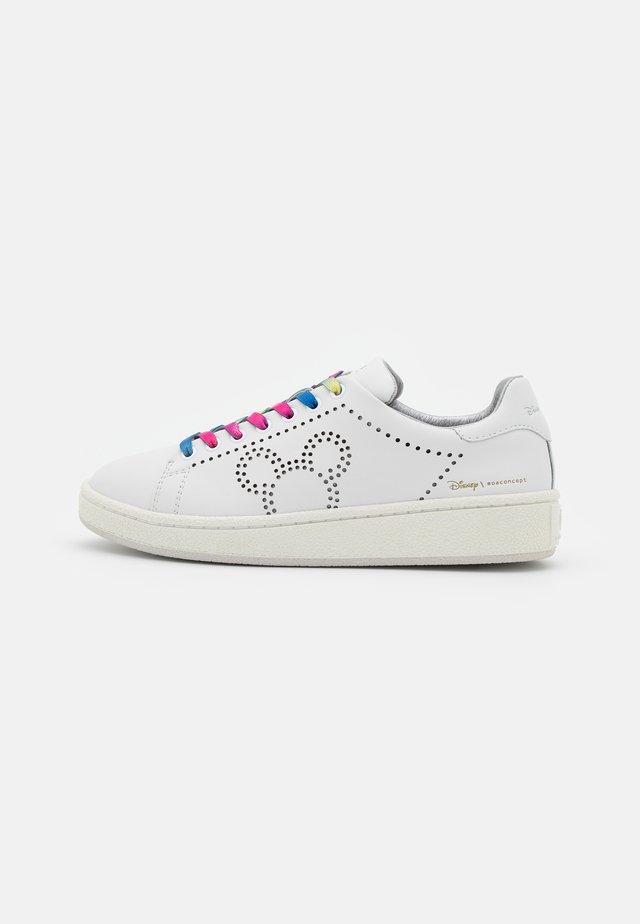 GRANDMASTER - Sneakers laag - white