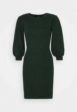 VMDARMA ONECK DRESS - Strikket kjole - pine grove