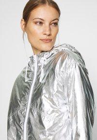 Calvin Klein Jeans - Light jacket - silver metallic - 4