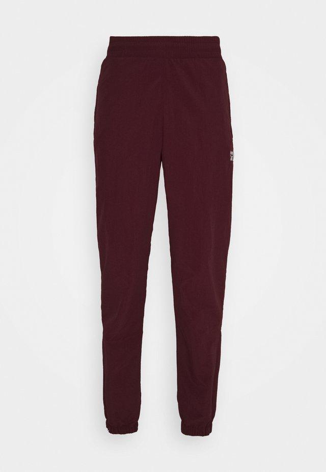 TRACKPANT - Teplákové kalhoty - maroon