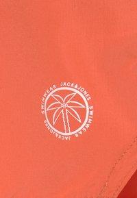 Jack & Jones Junior - JJIBALI JJSWIMSHORTS  - Swimming shorts - hot coral - 2