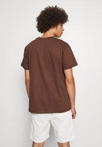 Night Addict - T-shirt imprimé - brown - 2