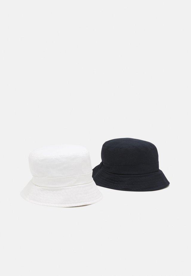 NKNBOBBY HAT 2 PACK UNISEX - Chapeau - dark sapphire/bright white