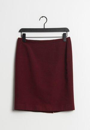 A-snit nederdel/ A-formede nederdele - red