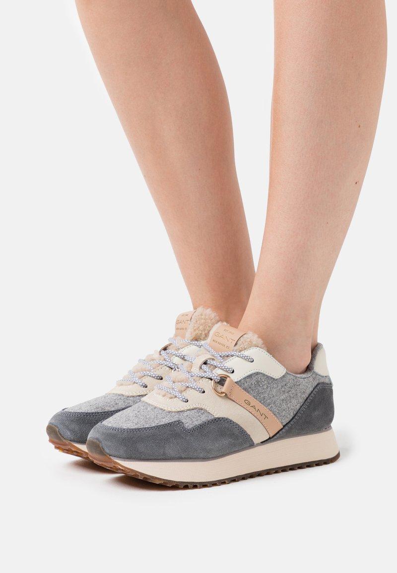 GANT - BEVINDA RUNNING - Zapatillas - mid gray