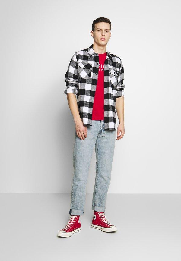 Tommy Hilfiger TEE - T-shirt z nadrukiem - red/czerwony Odzież Męska UDNI