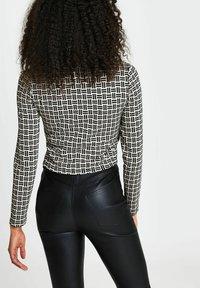 River Island - Long sleeved top - black - 2