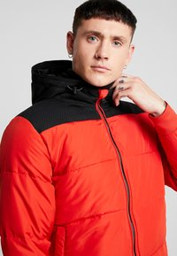 Only & Sons - ONSBOSTON QUILTED BLOCK HOOD - Chaqueta de entretiempo - pompeian red - 3