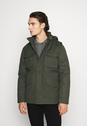 WINTER FIELD JACKET - Välikausitakki - serpico green