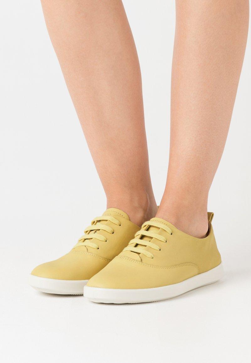 ECCO - LEISURE - Sneakersy niskie - popcorn cirrus
