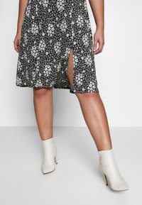 Dorothy Perkins Curve - Jersey dress - black - 4