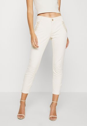 ETTA ZIP CREAM PANT - Slim fit jeans - ecru