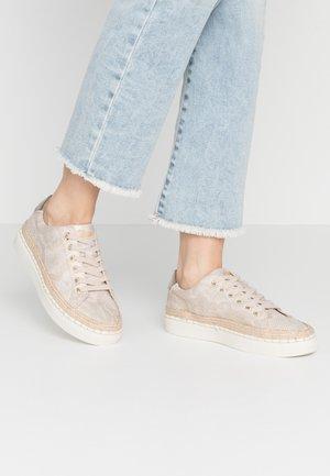Sneakersy niskie - champagne