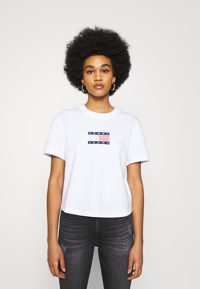 Tommy Jeans - STAR AMERICANA FLAG TEE - Print T-shirt - white