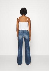 Le Temps Des Cerises - Flared Jeans - blue - 2