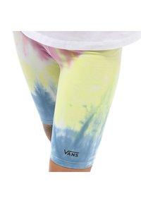 Vans - Shorts - spiraling orchid - 2