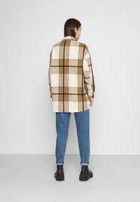 ONLY - ONLELLENE VALDA CHACKET - Summer jacket - bone brown/black - 2