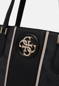 Guess - OPEN ROAD LUXURY SATCHEL - Kabelka - coal - 4