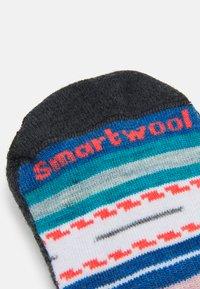 Smartwool - WOMEN'S HIKE LIGHT MARGARITA CREW - Sports socks - black/multi - 1