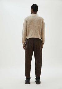 PULL&BEAR - Trousers - mottled brown - 2
