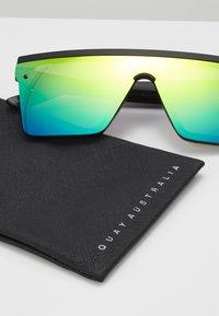 QUAY AUSTRALIA - HINDSIGHT - Sluneční brýle - matte black/rainbow - 3