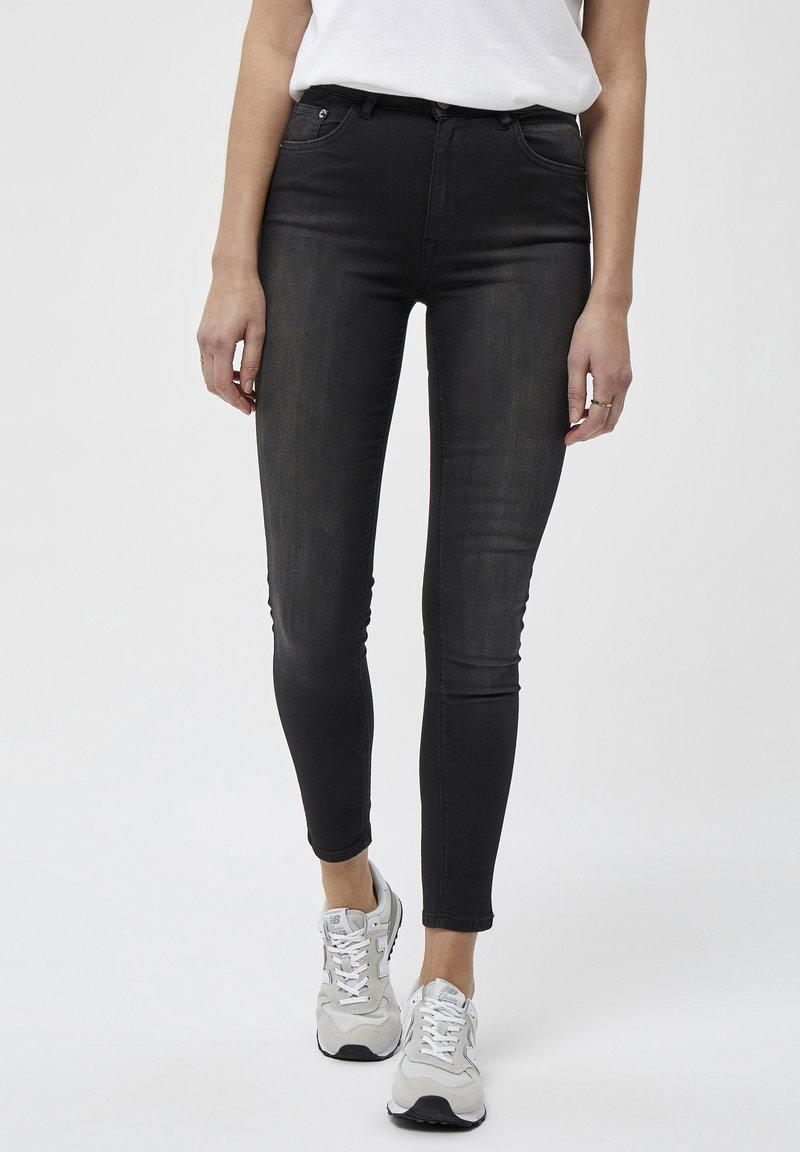 Desires - Jeans Skinny Fit - black