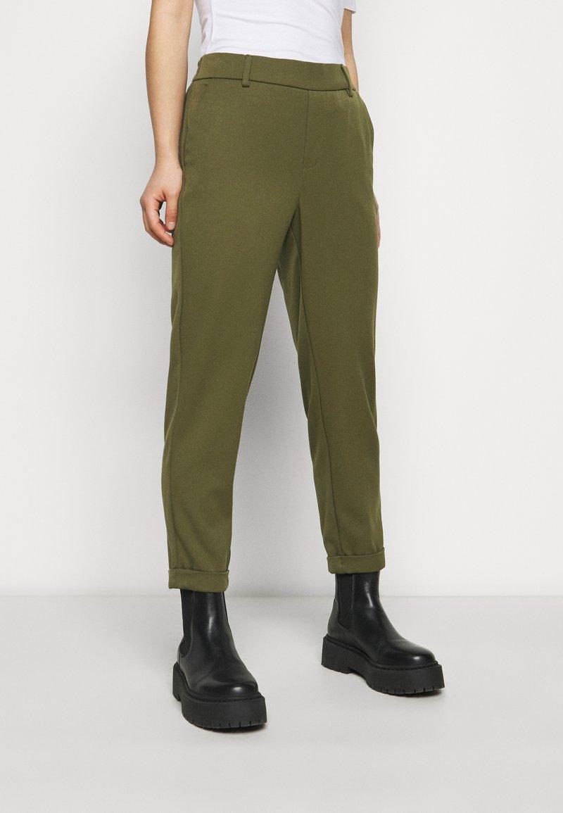 Vero Moda Petite - VMMAYA SOLID PANT - Trousers - ivy green