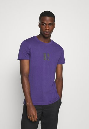 SMALL CENTER BOX TEE - T-shirts print - gentian violet