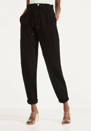 PAPERBAG-HOSE  - Trousers - black