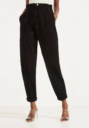 PAPERBAG-HOSE  - Kalhoty - black