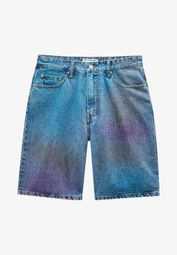 MIT SPRAYPRINT - Denim shorts - light blue