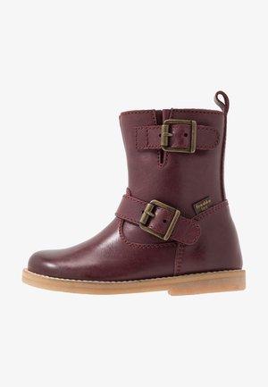 Zimní obuv - dark bordeaux