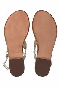 Belmondo - ZEHENTRENNER - T-bar sandals - silver-coloured - 3