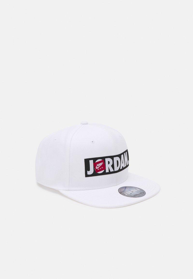 Jordan - JAN FLATBRIM SNAPBACK HAT UNISEX - Cap - white