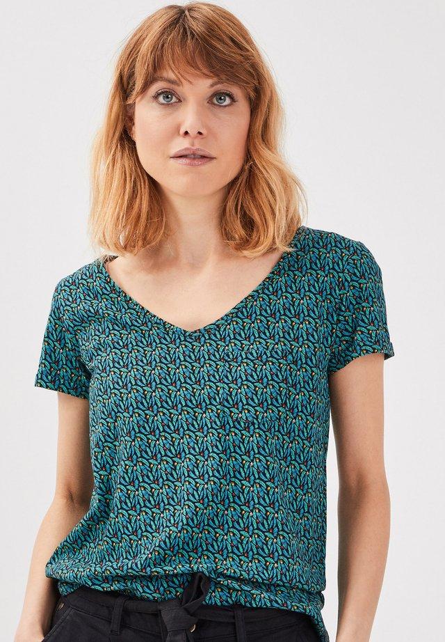 T-shirt print - vert