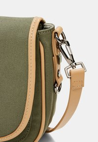 Esprit - SUSIE - Across body bag - olive - 4