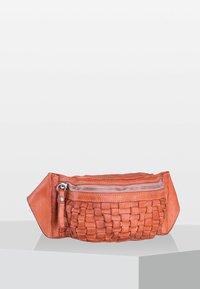 Campomaggi - OSTUNI  - Bum bag - light pink - 1