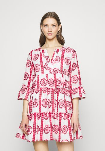 INDY BRODERIE ANGLAISE BOHO DRESS - Vapaa-ajan mekko - white