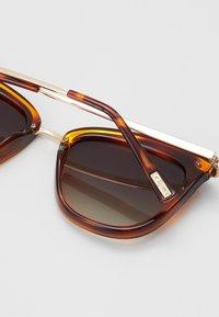 Le Specs - CALIENTE - Sunglasses - khaki grad - 2