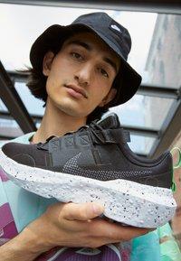 Nike Sportswear - CRATER IMPACT  - Sneakers basse - black/iron grey-off noir-dk smoke grey-mean green-white - 2