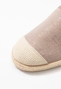 Grand Step Shoes - EVITA PLAIN - Espadrilles - metallic rose - 2