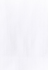 Cotton On Body - SEAMLESS HALTER RACER BACK TANK - Top - white - 6